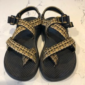 🌵🌼Earthy Yellow & Black Chaco Sandals🌼🌵